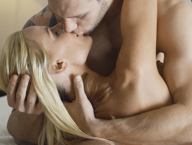 How to Give Her an Arousing and Sensual Massage Kissing
