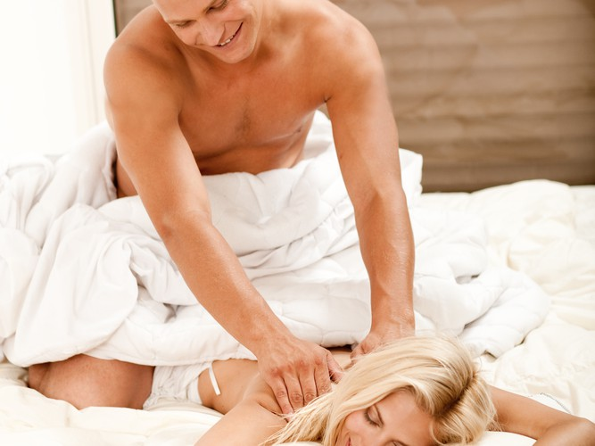 How to Give Her an Arousing and Sensual Massage Middle Body